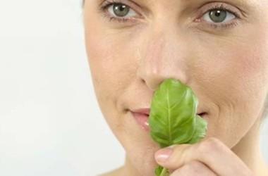 При похудении у всех худеет лицо а худеет ли нос или
