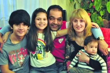 Индус и русская детей 60