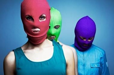 Pussy Riot хотят отправить на Евровидение - Последние ...: http://www.segodnya.ua/world/Pussy-Riot-hotyat-otpravit-na-Evrovidenie.html