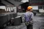 В Китае число погибших при взрыве газа на угольной шахте возросло до 26 человек