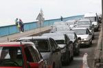 Левый берег Киева застыл в гигантских пробках