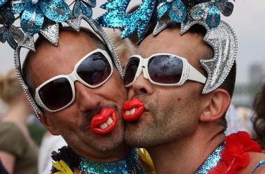 В мире пропагондируют гомосексуализм
