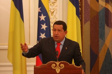 Уго Чавес стал президентом в четвертый раз