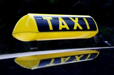 <p>Депутаты не перестают думать о законах для таксистов. Фото:ITC</p>