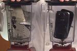 iPhone 5 и Samsung Galaxy S III превратили в пыль в блендере