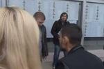 В Броварах местные чиновники спустили с лестницы журналиста