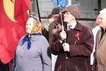 Жители Харькова пришли к Ленину с шариками и в буденовках