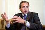 Азаров сознательно пытается сделать из Украины страну над которой будут насмехаться - Томенко