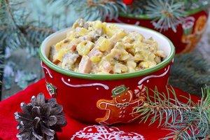 Как приготовить новогодний салат Оливье: 10 рецептов на любой вкус