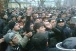 В Баку начались массовые беспорядки