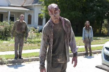 В США телеканалы напугали зрителей сообщениями о зомби ...