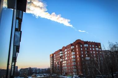 <p>Метеорит в Челябинске: Количество пострадавших увеличилось до 150 человек. Фото AFP</p>
