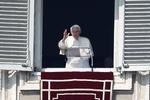 Аккаунт Папы Римского в Twitter набрал более 3 млн подписчиков
