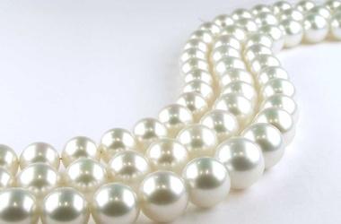 Японцы сделали самое длинное в мире 222-метровое жемчужное ожерелье