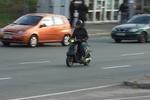 В Киеве пьяный 19-летний скутерист сбил девочку на переходе
