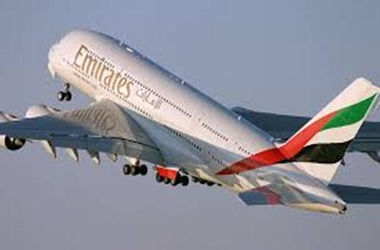 "<p> </p> <h1 class=""mainhead"">Самолет Emirates совершил вынужденную посадку в Калькутте, фото с сайта <span style=""font-size: small;""><span style=""text-align: justify;"">gurutravel.co.nz</span></span></h1>"