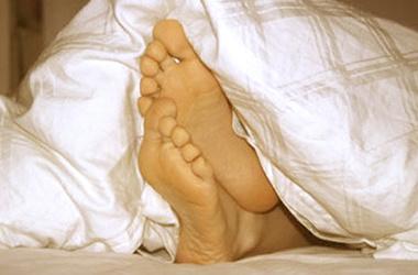 Лечить воспаление ногтя на ноге