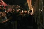 Беспорядки в Бразилии: протестующих разгоняют газом и бронетехникой