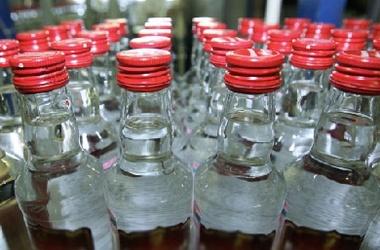 В Харькове продавали спиртное без документов: Закрыта еще одна