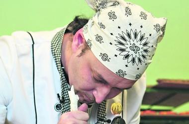 Чем привлекательна профессия повара и какие эта работа дает   lt p gt Повара зарабатывают в Украине от 3 до