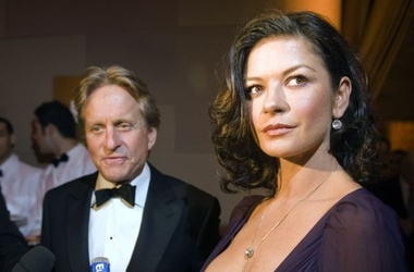 <p><span>Майкл Дуглас и Кэтрин Зета-Джонс. Фото AFP</span></p>