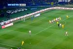 Красно-черная символика на матче Украина - Польша присутствует