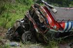 Грузовик упал в пропасть в Перу, забрав с собой 50 человеческих жизней