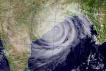 """Циклон """"Файлин"""" ударил по Индии, эвакуированы около 1 млн человек"""