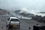 """Мощнейший ураган """"Файлин"""" уже обрушился на побережье Индии"""