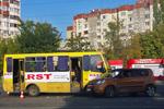 В Одессе после ДТП с маршруткой и дамой на иномарке завязалась кровавая драка