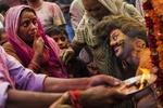 Более ста человек погибли в Индии на празднике