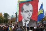 Участники Марша Борьбы собрались на концерт, окутав центр Киева дымом