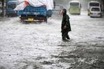 Во Вьетнаме более сотни тысяч людей покинули дома из-за тайфуна