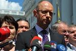 Яценюк отказался обсуждать законопроект, позволяющий Тимошенко уехать в Германию