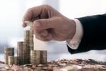 Украинцы стали активно сдавать деньги в банки