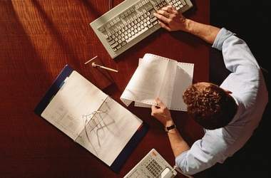 <p>Власть придумывает новую схему наказаний для бизнесменов-должников по налогам. Фото: Наша Агаша</p>
