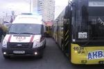В Киеве на Оболони произошла крупная авария, пострадали пассажиры троллейбуса