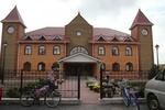Янукович открыл садик и подарил квартиры воспитателям