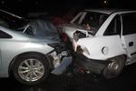 Гонка по мокрой дороге в Киеве обернулась масштабной аварией