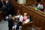 Оппозиция хочет видеть каждого третьего депутата женщиной
