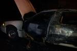 В центре Харькова сожгли лимузин, который ожидал клиентов