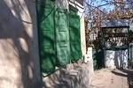 Город в Днепропетровской области терроризирует снайпер: люди забивают окна
