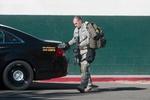 В США неизвестный устроил стрельбу и захватил заложников