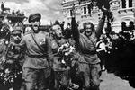 В Киеве стартовал марш 69 годовщины освобождения Украины от фашистских захватчиков