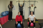 Днепропетровские пенсионеры променяли скамейку на тренажеры и йогу