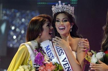 """Титул """"Мисс Вселенной-2013"""" получила """"Мисс Венесуэлы"""" Габриэла Ислер."""