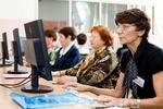 Украинским пенсионерам предлагают поработать охранниками и озеленителями
