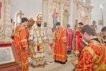 В Донбассе на месте могил солдат возвели храм