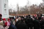 В Харькове верующие выстроились в километровую очередь ради святыни из Греции