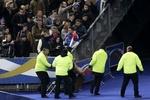 Полуголую девушку из Femen вынесли со стадиона после матча Франция - Украина